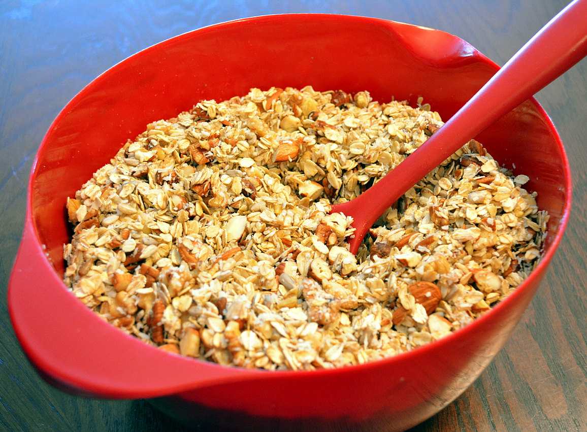 Healthy Roasted Nut and Seed Muesli