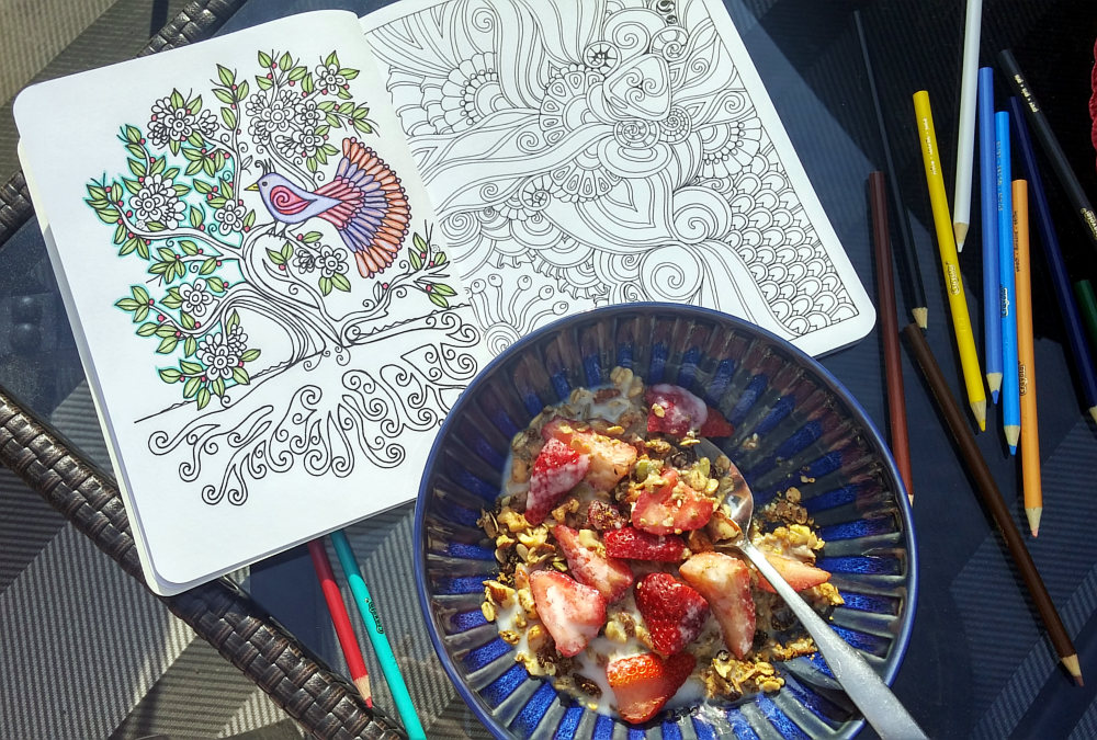 Healthy road trip breakfast in the sunshine!