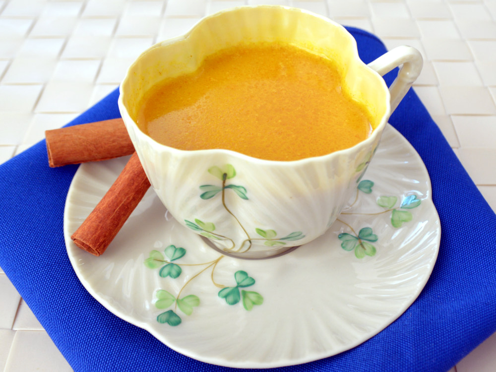 Turmeric-tea-feature-option-2.jpg