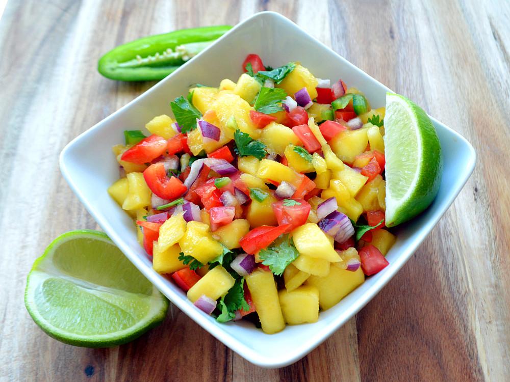 how to make mango salsa