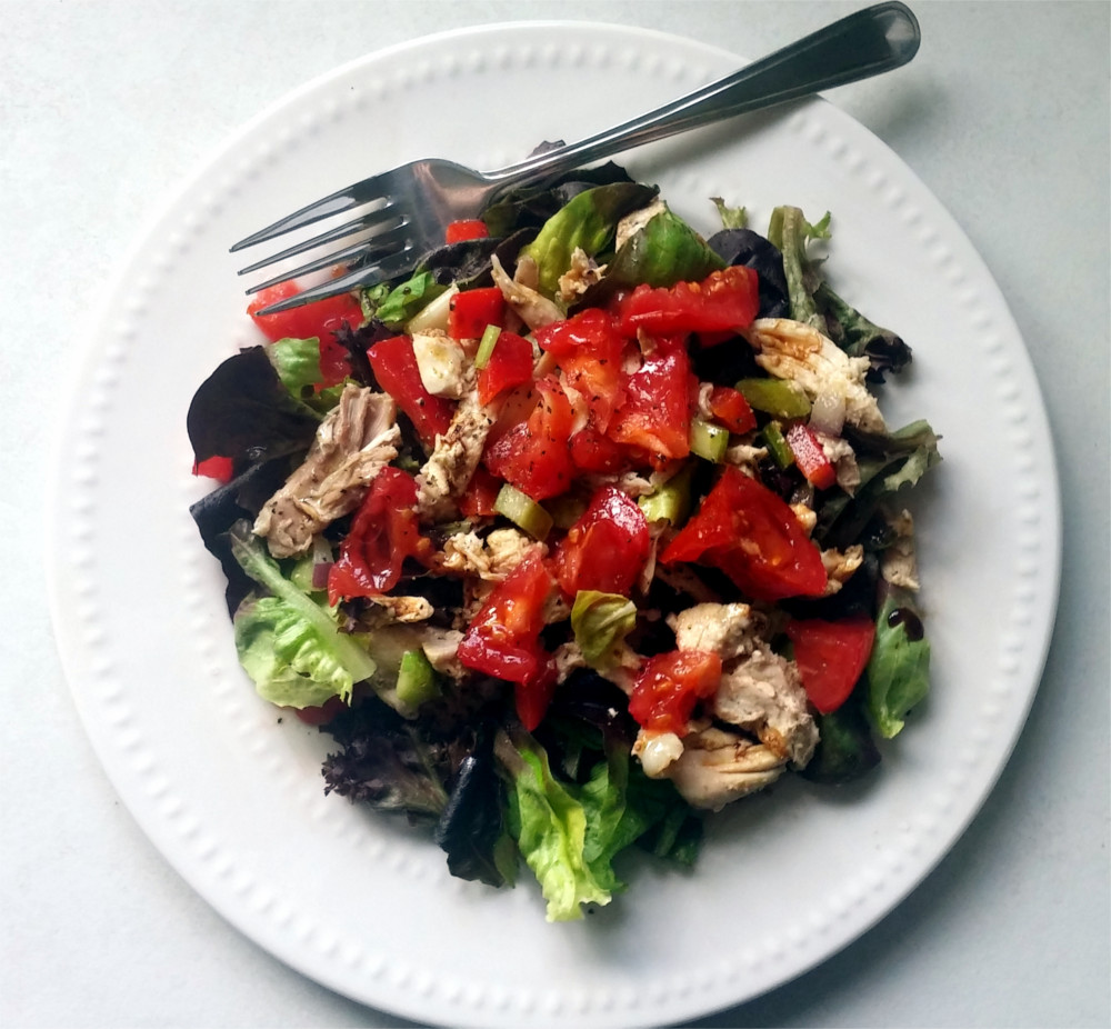 Simple Health Lunch - Chicken Salad on Mixed Greens