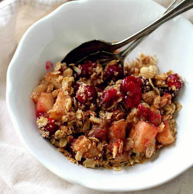 Dairy-Free Holiday Desserts: Cranberry Pear Crisp