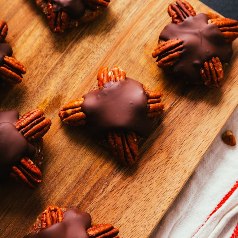 Dairy-Free Holiday Desserts: Chocolate Turtles